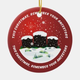 Recuerde a sus antepasados adorno navideño redondo de cerámica