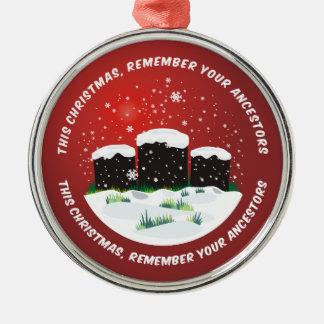 Recuerde a sus antepasados adorno navideño redondo de metal