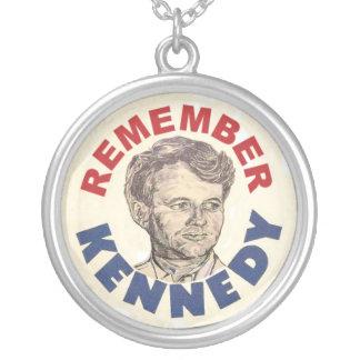 Recuerde el collar de Bobby Kennedy