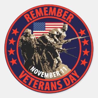 Recuerde el día de veteranos pegatina redonda