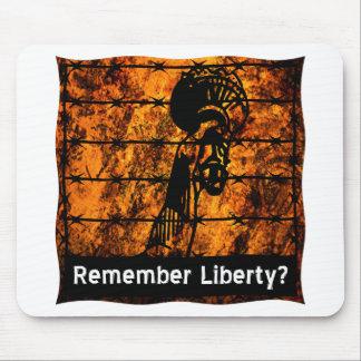 ¿Recuerde la libertad? Tapete De Ratones