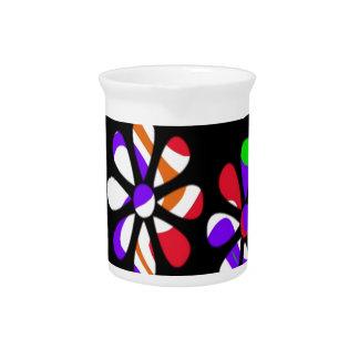 recuerde los años 60 y el 70s, flores coloridas jarra para bebida