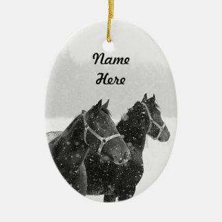 Recuerdo conocido de encargo del navidad de la adorno navideño ovalado de cerámica