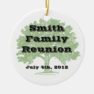 Recuerdo de la reunión de familia adorno navideño redondo de cerámica