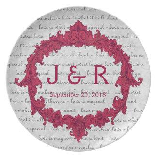 Recuerdo del boda con el marco rojo del vintage plato de comida