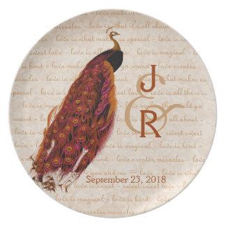Recuerdo del boda con el pavo real del oro plato