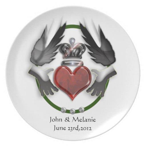 recuerdo del boda del corazón del claddagh platos