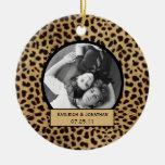 Recuerdo del boda del estampado leopardo del ornam ornamento para arbol de navidad