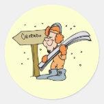 Recuerdo del viaje del vintage del esquí de la pegatina redonda