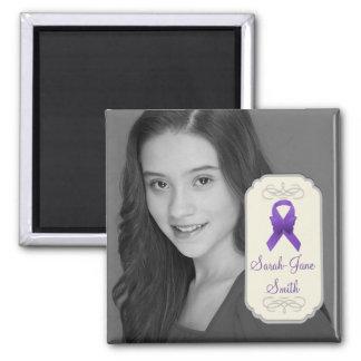 Recuerdo púrpura de la foto de la cinta de la imán cuadrado
