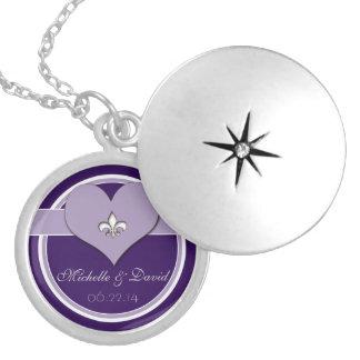 Recuerdo púrpura personalizado del corazón de la collar con colgante