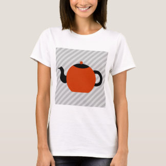 Red and black teapot design, on gray stripes. T-Shirt