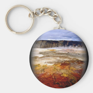 RED AND GOLDEN MINERAL DEPOSITS IN YELLOWSTONE KEYCHAIN