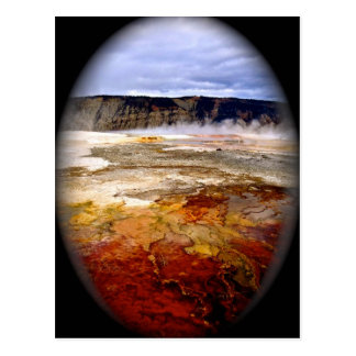 RED AND GOLDEN MINERAL DEPOSITS IN YELLOWSTONE POSTCARD