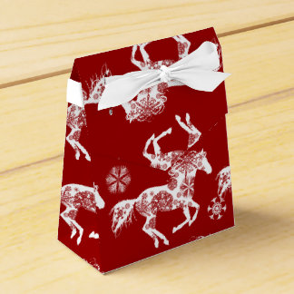 Red and White Snowflake Christmas Horse Favor Box
