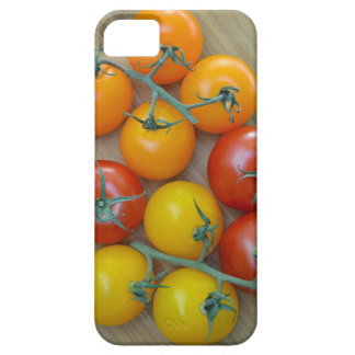 Red and yellow tomatoes print iPhone SE/5/5s case