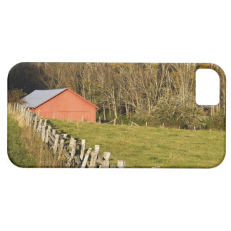 Red barn and fencerow along the Blue ridge iPhone SE/5/5s Case
