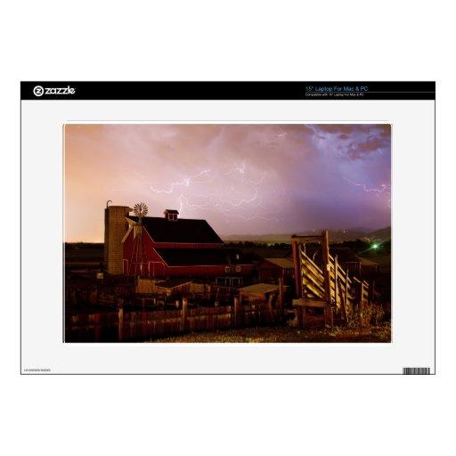 red_barn_farm_lightning_thunderstorm.jpg 38,1cm portátil calcomanía