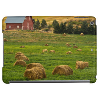 Red Barn, hay bales, Albion, Palouse Area 2 iPad Air Case
