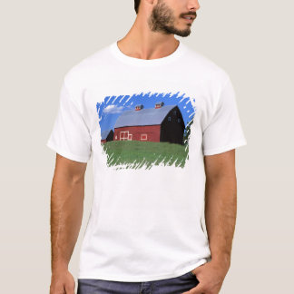 Red barn in Latah County, Idaho state PR MR) T-Shirt