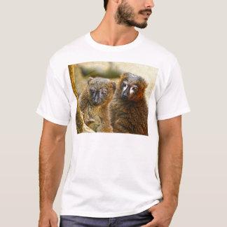 Red bellied lemurs t-shirt