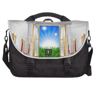 Red carpet door to your future laptop bag