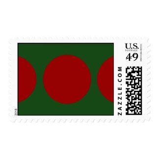 Red Circles on Green – Medium Postage