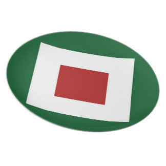 Red Diamond, Bold White Border on Green Plate