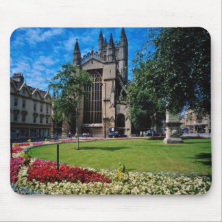 Red East front Bath Abbey Avon England flowers Mousepad