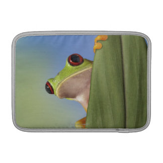 Red Eyed Tre Frog Peeking From Behind a Leaf Sleeve For MacBook Air