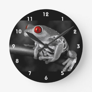 Red Eyed Tree Frog Round Clock