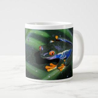 Red Eyes Frog On Leaf Giant Coffee Mug