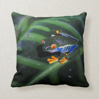 Red Eyes Frog On Leaf Pillow