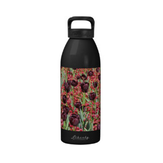 Red Flowers and dark tulips Drinking Bottle