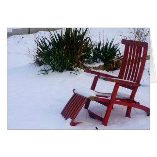 Red Garden Chair / Roter Liegestuhl im Schnee Card