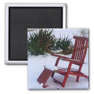 Red Garden Chair / Roter Liegestuhl im Schnee Magnet