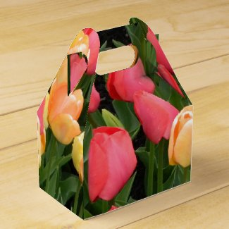 Red & Gold Tulip Party Favor Box