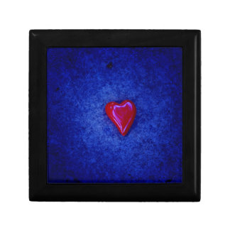 red heart jewelry box