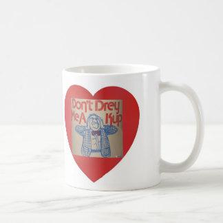 red heart Yiddish saying mug