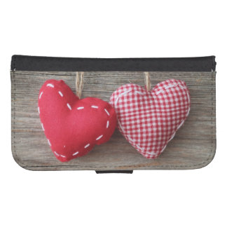 Red Hearts on Wooden Table 2 Galaxy S4 Wallet Case