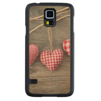 Red Hearts on Wooden Table Carved Maple Galaxy S5 Slim Case