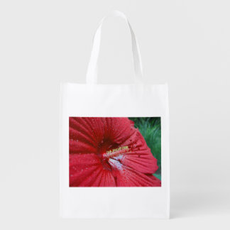 Red Hibiscus With Raindrops Market Tote