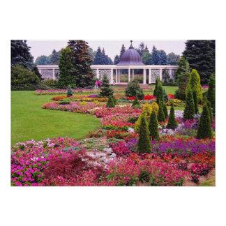 Red Niagara Parks Botanical Garden, Niagara Falls Custom Announcement