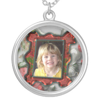 Red picture frame design round pendant necklace