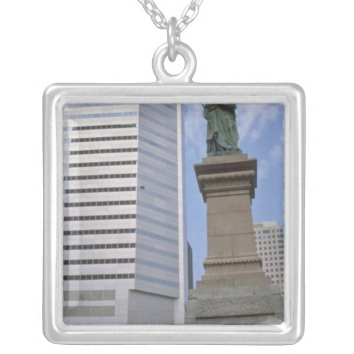 Red Queen Victoria statue, Montreal, Quebec flower Necklace