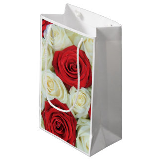 Red romantic valentine rose small gift bag