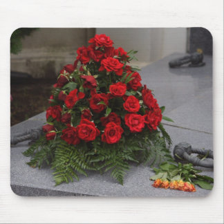 Red Roses Arrangement Mouse Pad