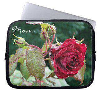 """Red Roses Garden """"Mom"""" Laptop Sleeve"""