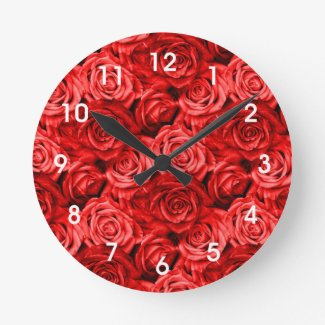 Red Roses Round Clock