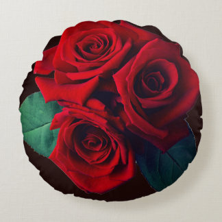 Red Roses Round Pillow